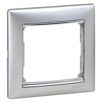 Rámček 1-násobný hliník/strieb.pásik Valena (Legrand)